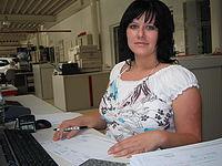 Stefanie Geller, Automobilkauffrau