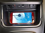 Überarbeiteter Kia cee'd lädt Smartphone ohne Kabel