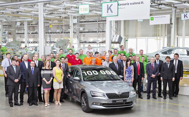 Jubiläum: 100.000ster ŠKODA Superb der dritten Generation produziert